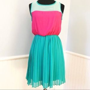 Everly Pink & Teal Sleeveless Pleated Dress